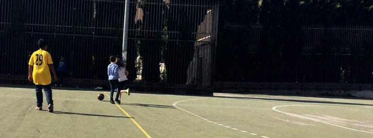 Los Dragones juegan al fútbol en Lavapiés